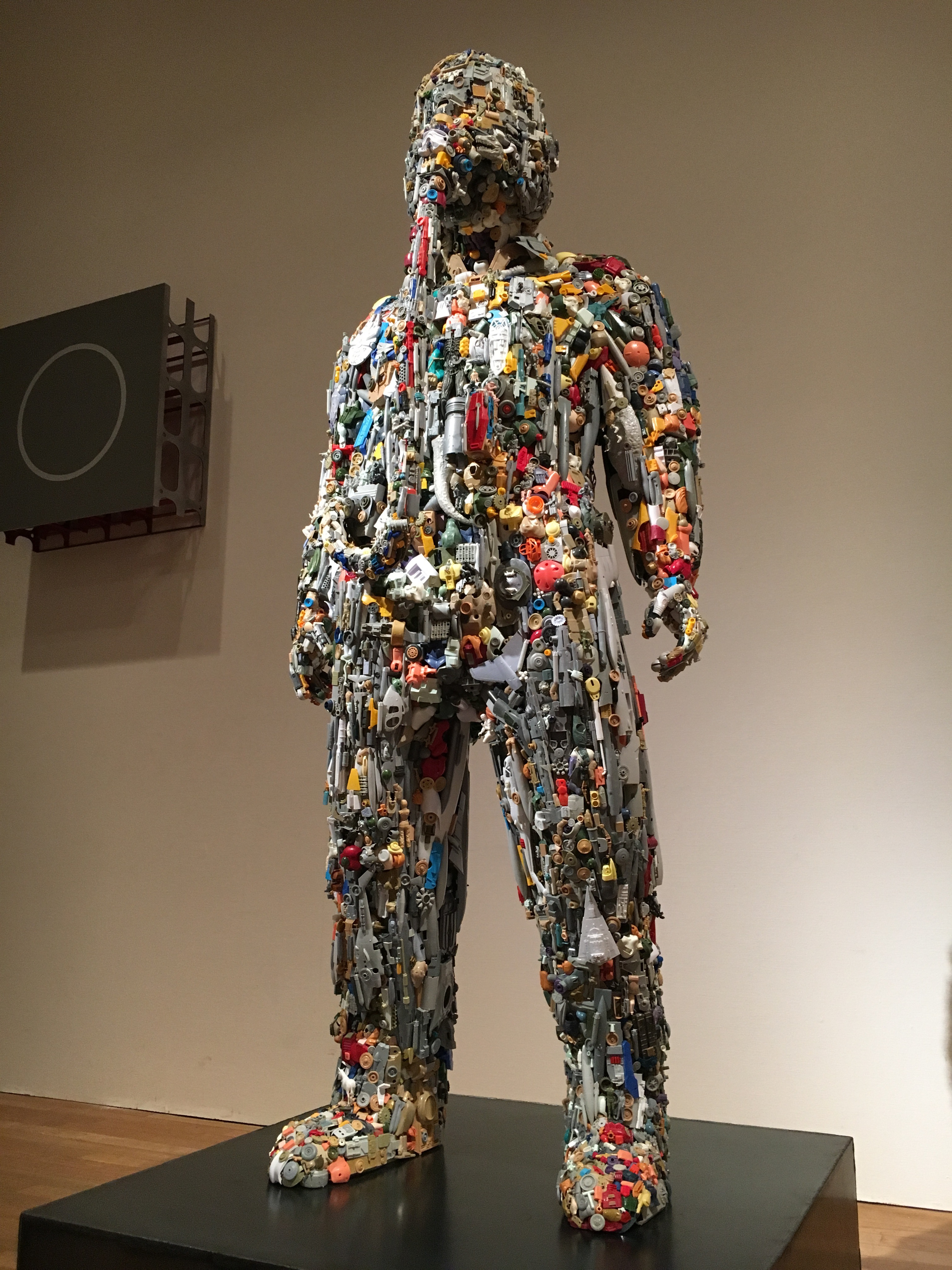 架空の断片-プラスチックモデルから着想した彫刻表現-
